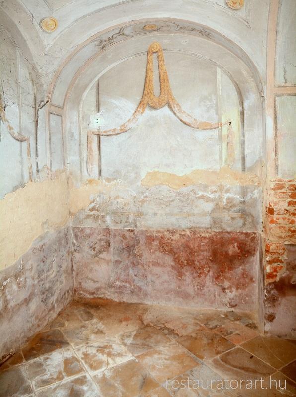 toponar templom falkep restauralas karzat alatt restauralas elott es utan (1)